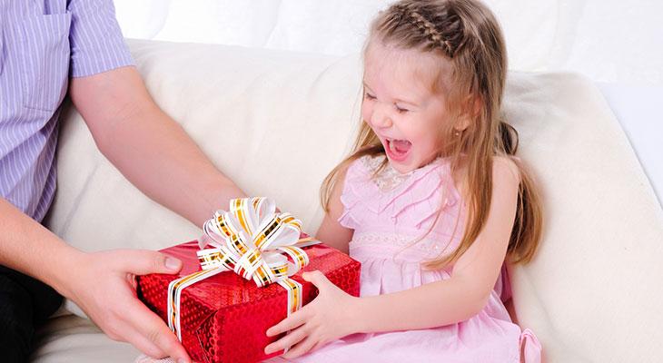 Что выбрать в подарок девочкам 534