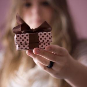 Идеи подарка подруге на 16-летие