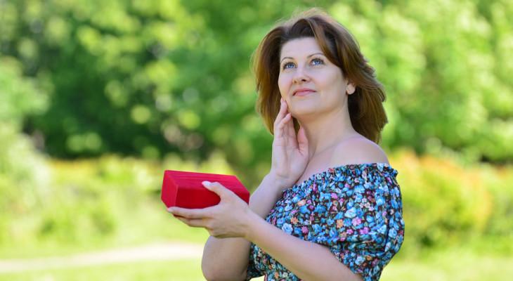 Подарок для женщины на 40 лет — 55 идей