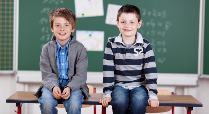 Подарки для одноклассников на 23 февраля — 55 идей