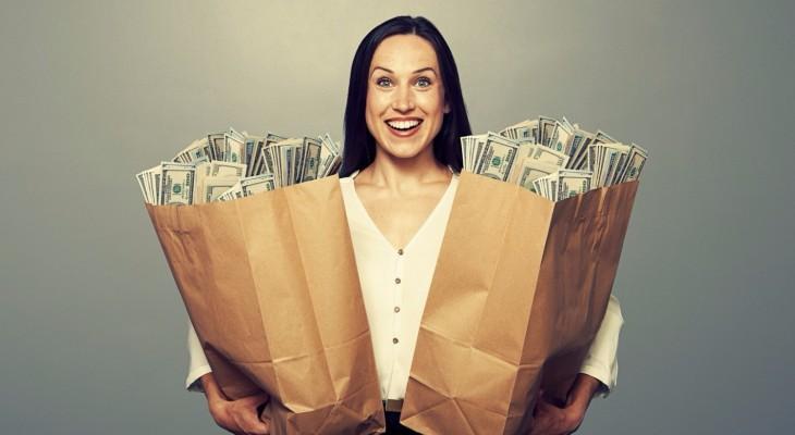 20 оригинальных способов подарить деньги на юбилей женщине
