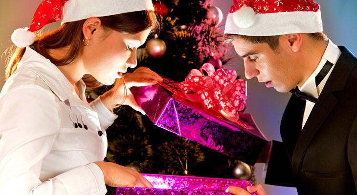 Корпоративные подарки для сотрудников на Новый год — 55 идей