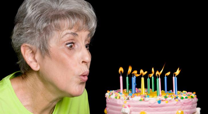 Мамин день рождения: подбираем подарок на 55-летие