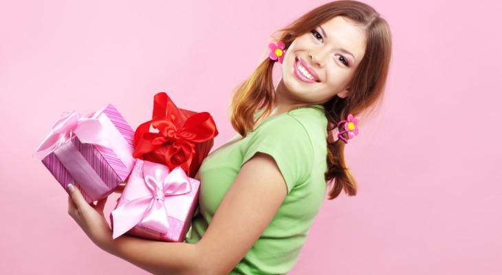 Подарок для подруги на 20 лет — 55 идей