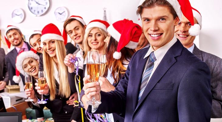 Подарки для коллег на Новый год — 55 идей