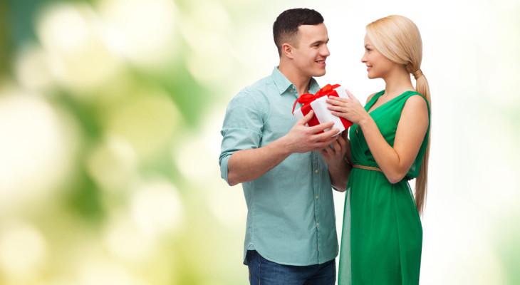 Что подарить на чугунную свадьбу (6 лет)?