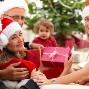 Идеи подарков для родных и близких друзей на Новый год 2019