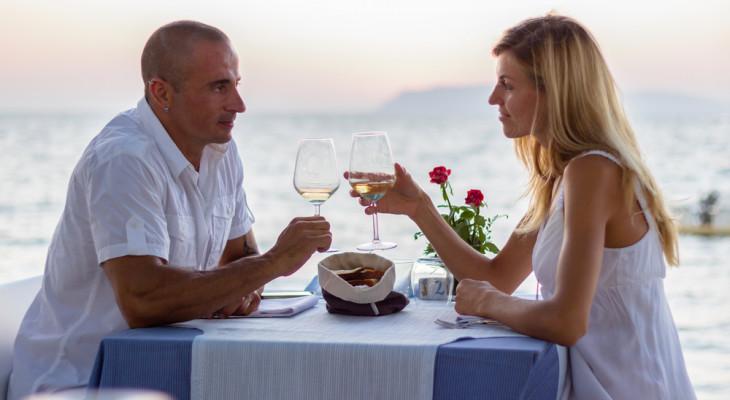 Как отмечают и что дарят на 18-ю годовщину свадьбы