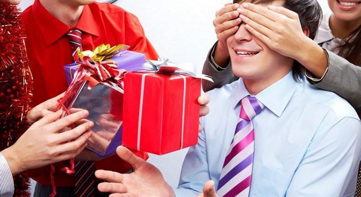 Подарок для брата мужа — 26 идей