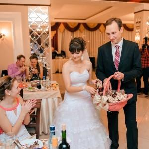 Подарки от молодоженов для гостей на свадьбе — 19 классных идей