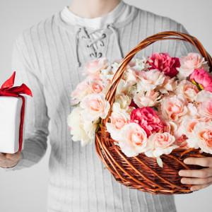 Розовая свадьба: чем порадовать супругов в десятую годовщину