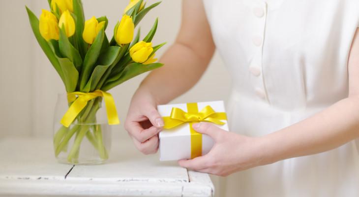 Лучшие идеи подарков для женщины на 45-летие