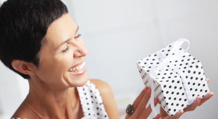 Что подарить любимой подруге на 40-летие
