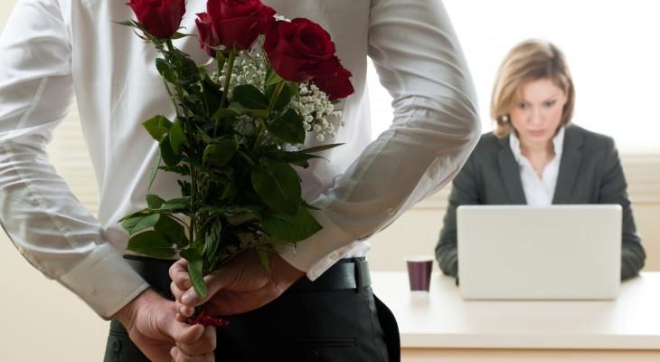 Что подарить начальнице на 8 марта?
