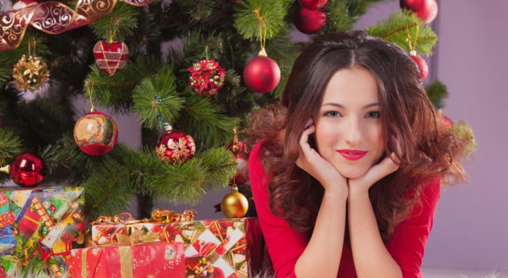 Подарок для девушки на Новый год — 55 идей