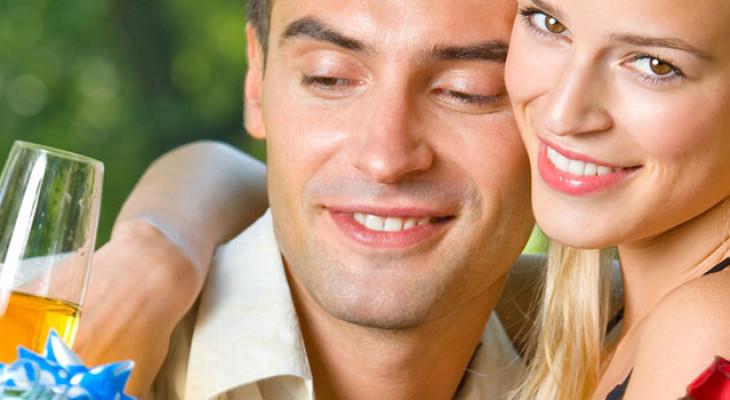Подарок для парня на год отношений — 55 идей