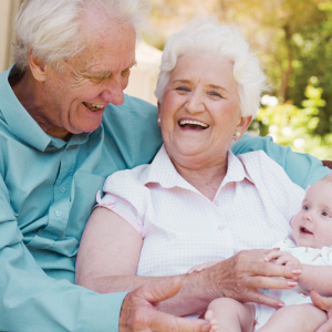 Идеи подарка бабушке в честь рождения внучки или внука