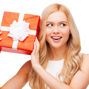 Выбираем подарок девушке на 23 года: инструкция