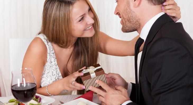 Подарок для мужа на годовщину свадьбы — 55 идей