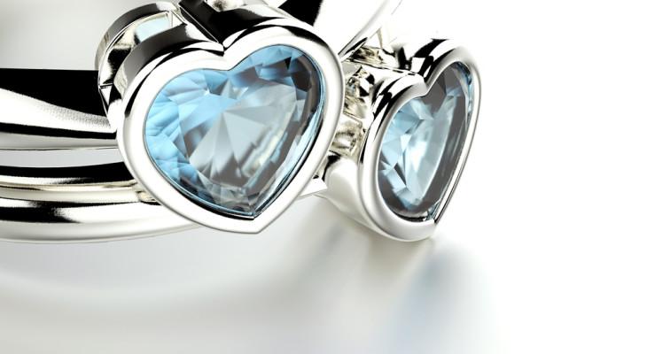 Что обычно дарят на топазовую свадьбу (16 лет)?