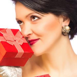 Подарок для женщины на день рождения — 55 идей
