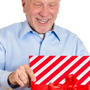 Что подарить дедушке на его 65-й день рождения