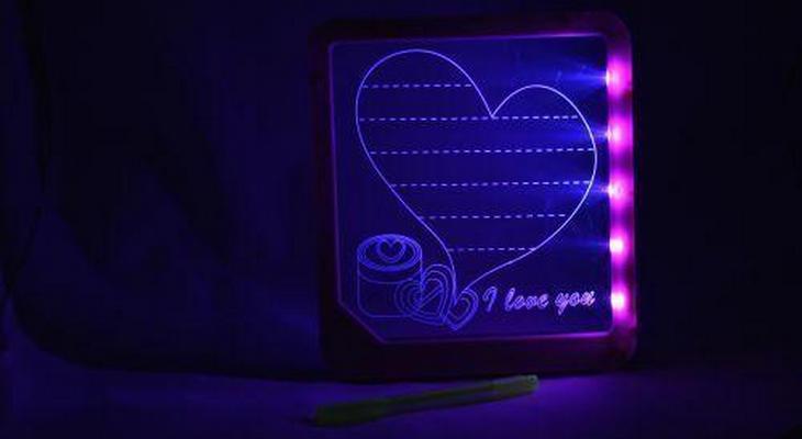 Доска для записей с подсветкой