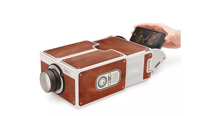 Компактный проектор для смартфона