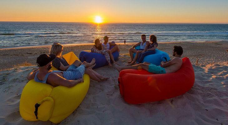 Надувной диван для пляжа