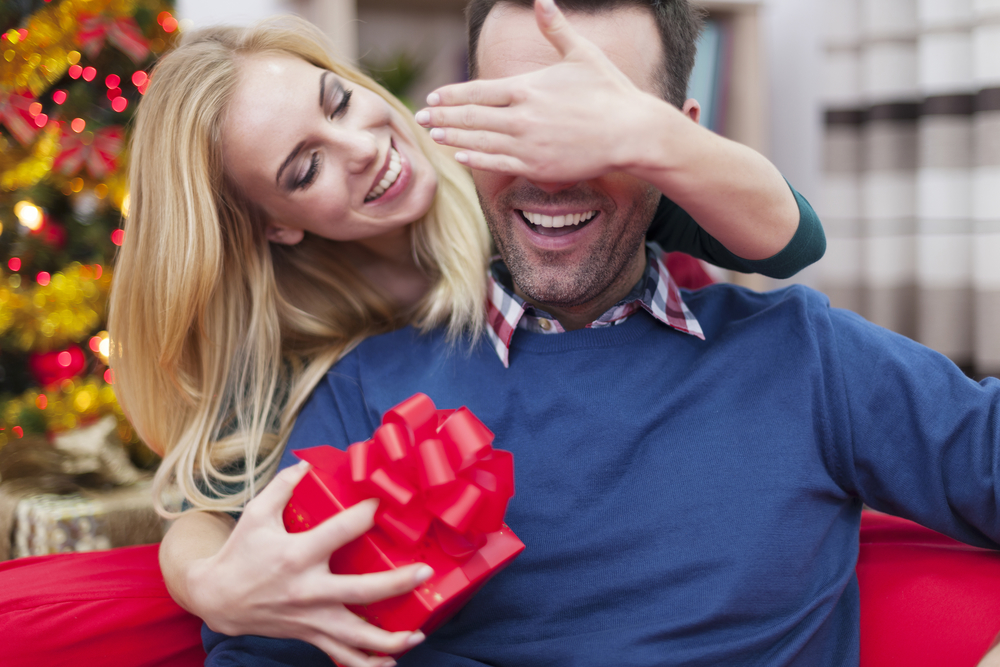 Какой можно сделать сюрприз мужу на день рождения